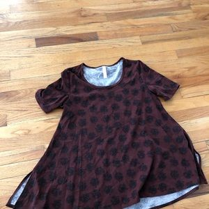 LLR perfect tee rust w black roses S worn once
